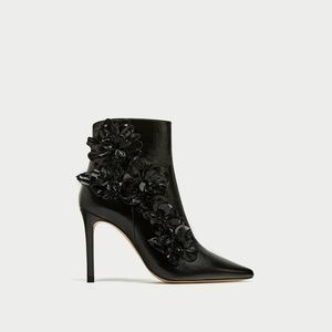 HIGH HEEL ANKLE BOOTS WITH FLORAL TRIMS-6076/201